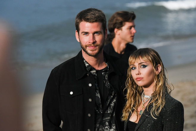 Miley Cyrus ly hon Liam Hemsworth anh 2