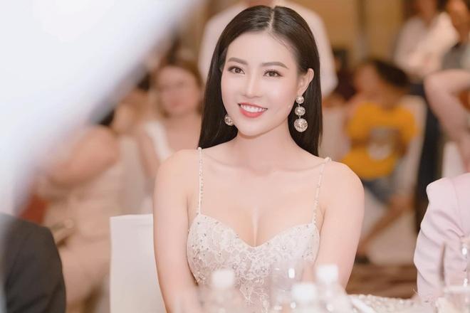 Khi Ninh Duong Lan Ngoc doi dau quyet liet 'My soi' Thu Quynh hinh anh 11