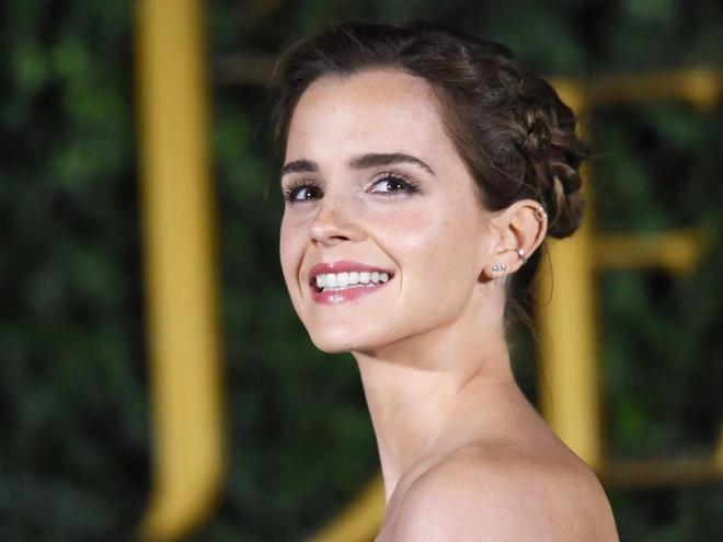 Jennifer Lawrence va Emma Watson anh 8