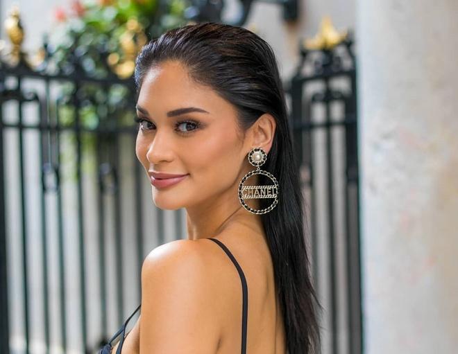 Pia Wurtzbach van nong bong sau 4 nam dang quang Miss Universe hinh anh 9
