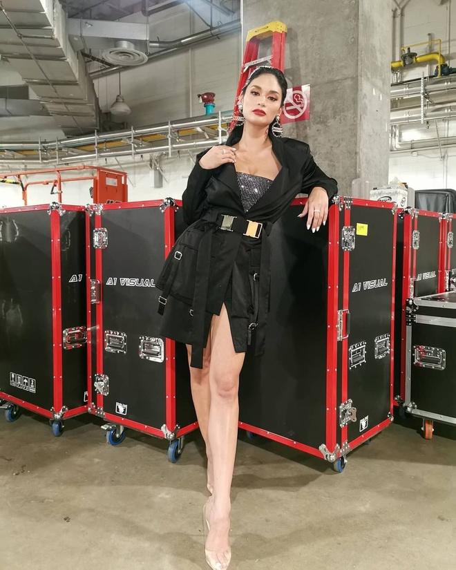 Pia Wurtzbach van nong bong sau 4 nam dang quang Miss Universe hinh anh 12