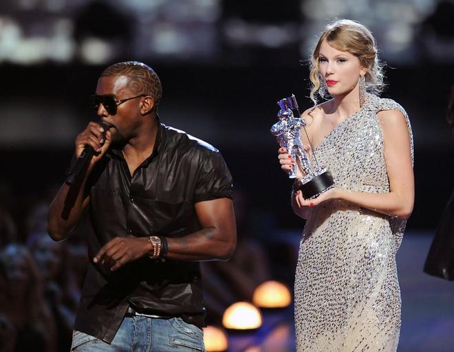 Taylor Swift va Kanye West anh 2