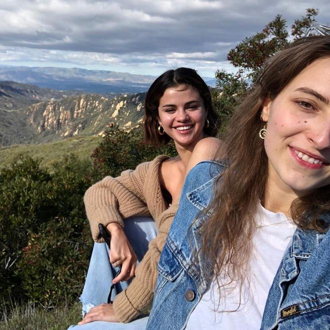 Selena Gomez tre trung anh 4