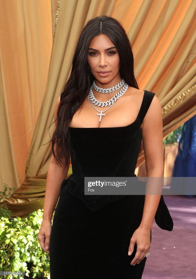 Kim Kardashian hoi ngo Kendall Jenner anh 2