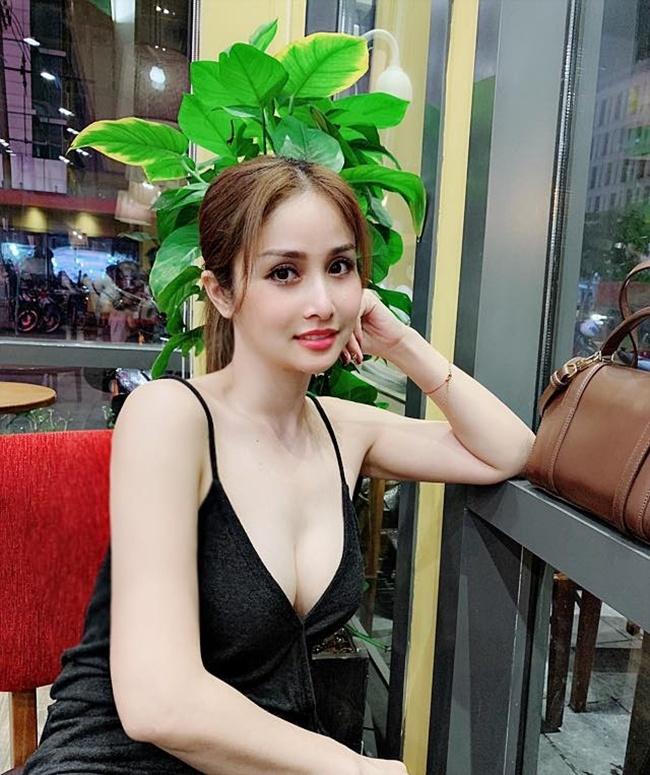 Thao Trang 'Tieng set trong mua' tu ve chan chat den gu mac nong bong hinh anh 12