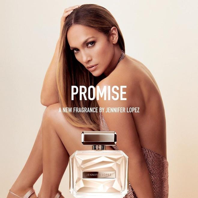 Jennifer Lopez lo bong mat, da nhan khi de mat moc hinh anh 3