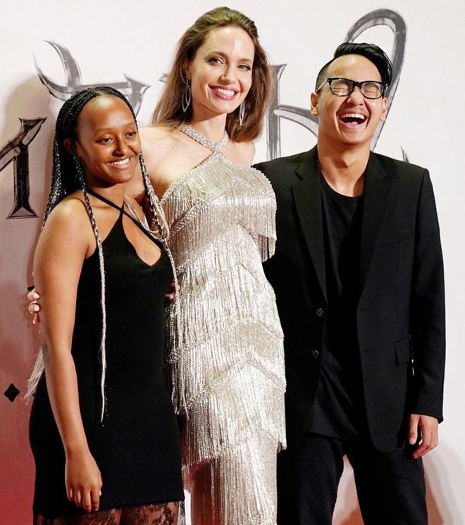 Angelina Jolie khoe sac anh 8