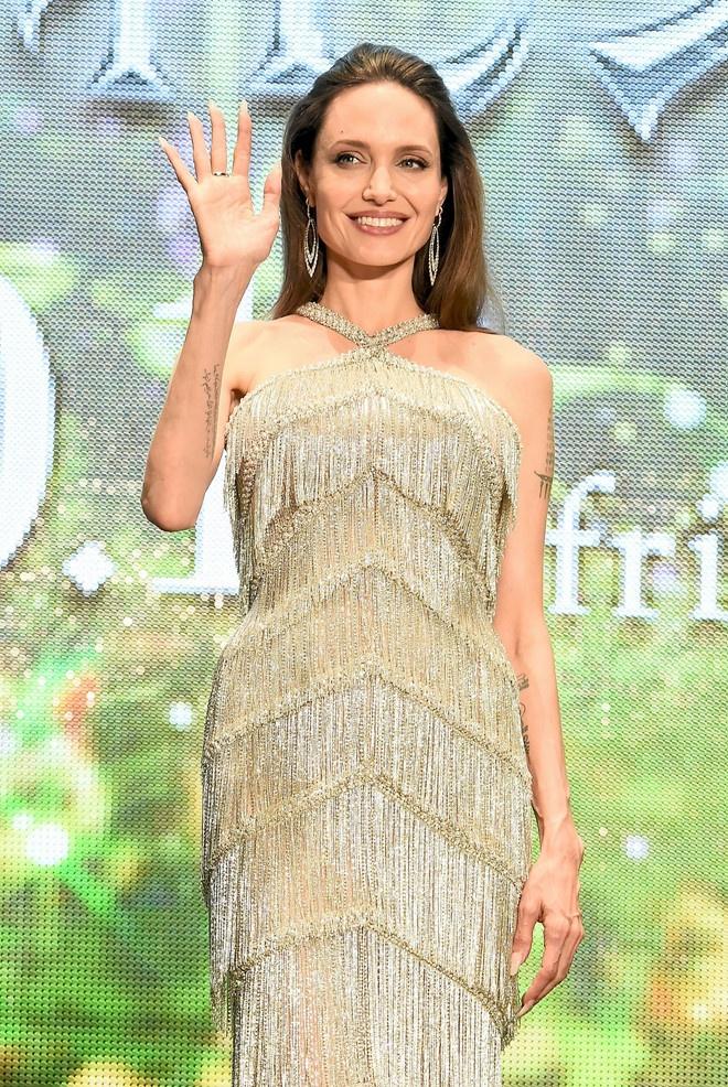 Angelina Jolie khoe sac anh 7