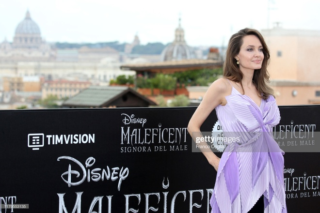 Angelina Jolie khoe sac anh 6