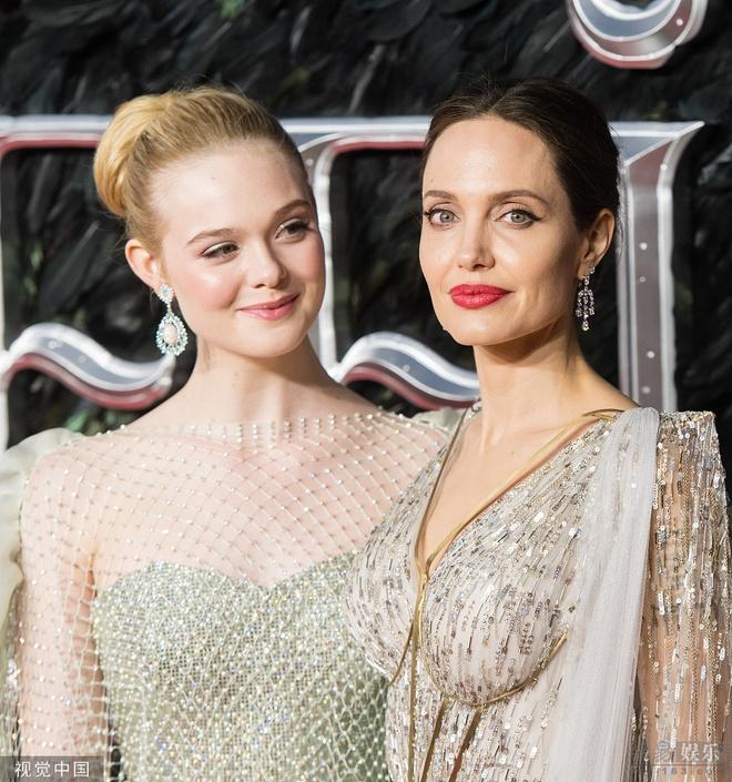 Angelina Jolie do sac voi Elle Fanning anh 8