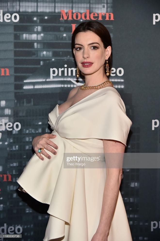 Anne Hathaway duoc khen goi cam khi mang bau hinh anh 2