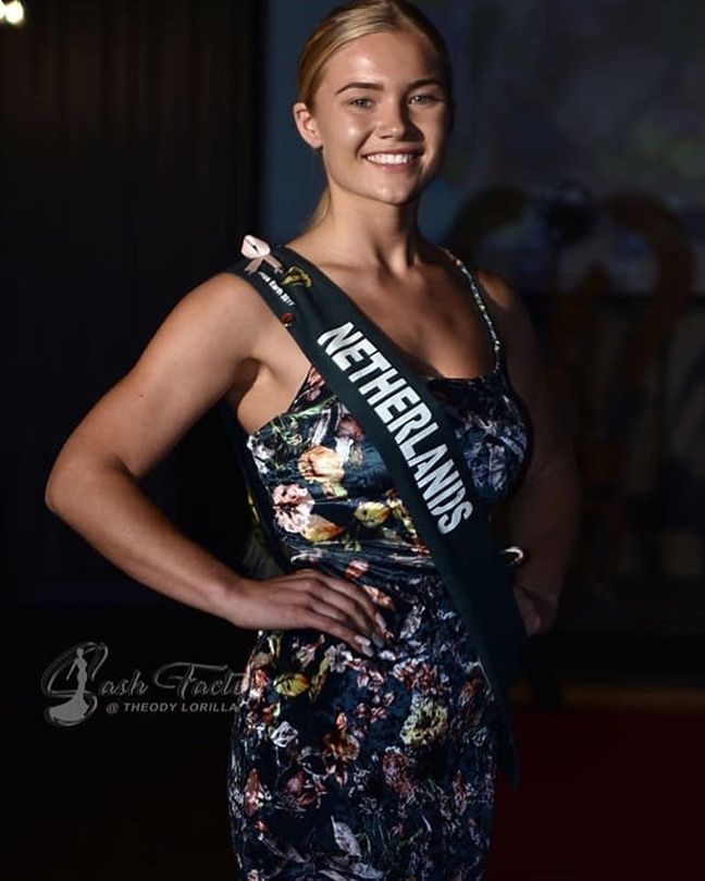 Hoang Hanh va dan thi sinh Miss Earth kem sac khi de mat moc hinh anh 9