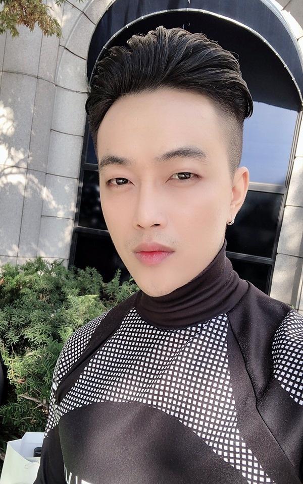 Khong Tu Quynh, Huynh Tien tha dang tai Seoul Fashion Week hinh anh 8