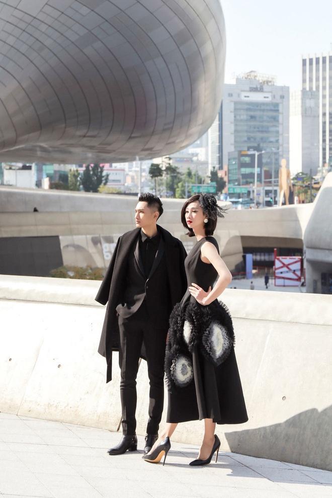 Khong Tu Quynh, Huynh Tien tha dang tai Seoul Fashion Week hinh anh 16