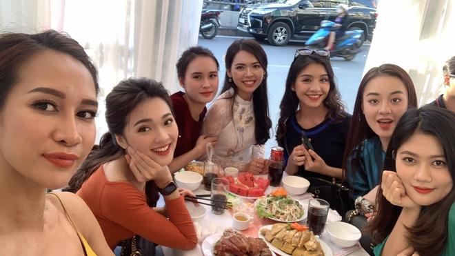 Top 5 Hoa hau Hoan vu Viet Nam 2017 to chuc le an hoi hinh anh 1