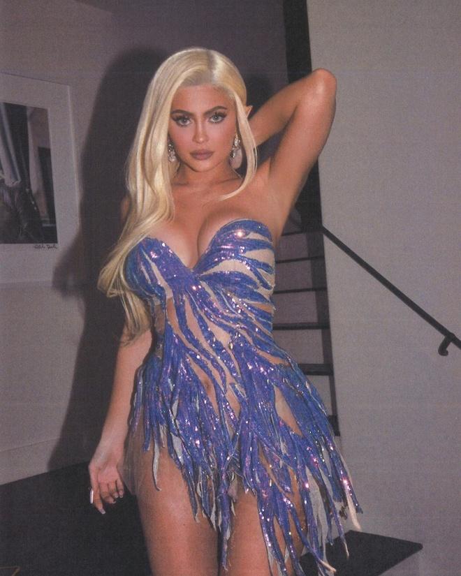 Kylie Jenner va dan sao mac goi cam du tiec sinh nhat hinh anh 3