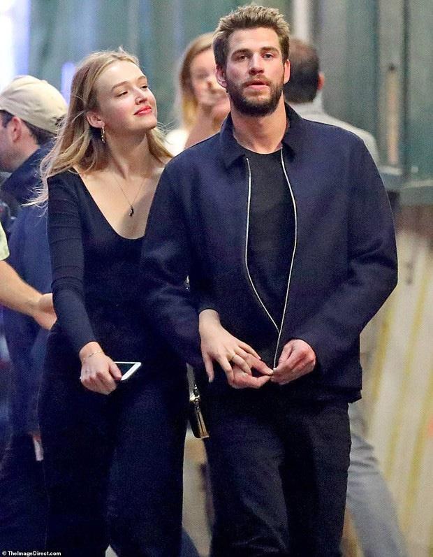 Miley Cyrus va Liam Hemsworth anh 4