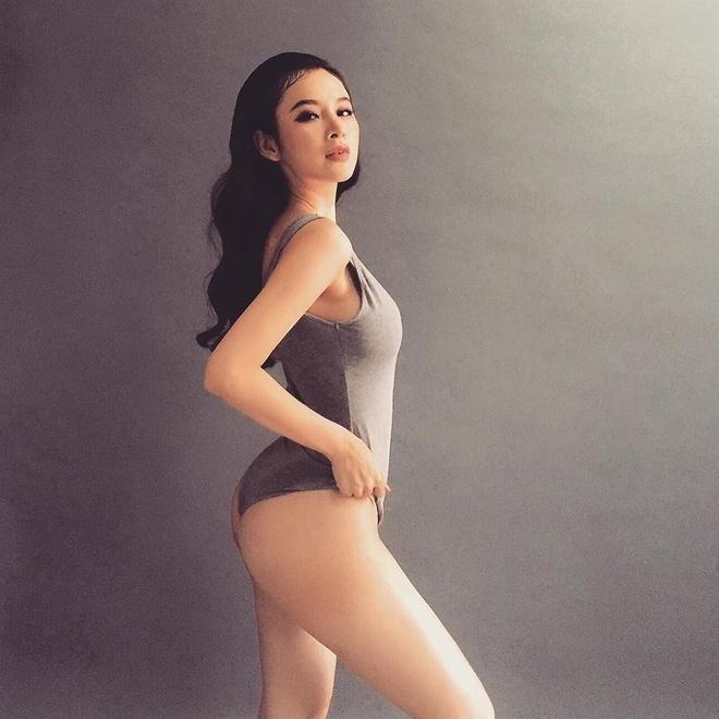Angela Phuong Trinh lot xac anh 5