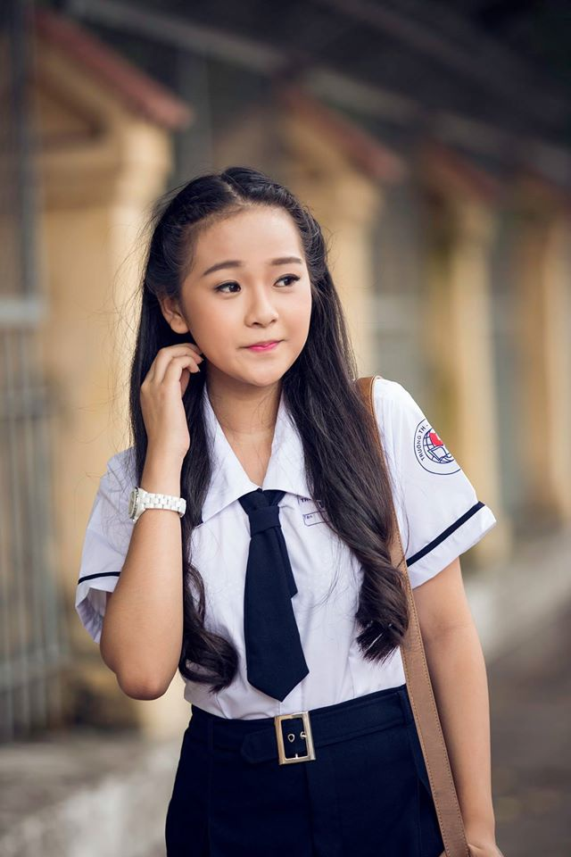 Angela Phuong Trinh lot xac anh 15