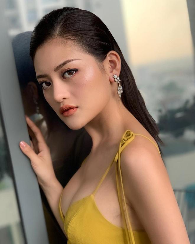 Angela Phuong Trinh lot xac anh 10