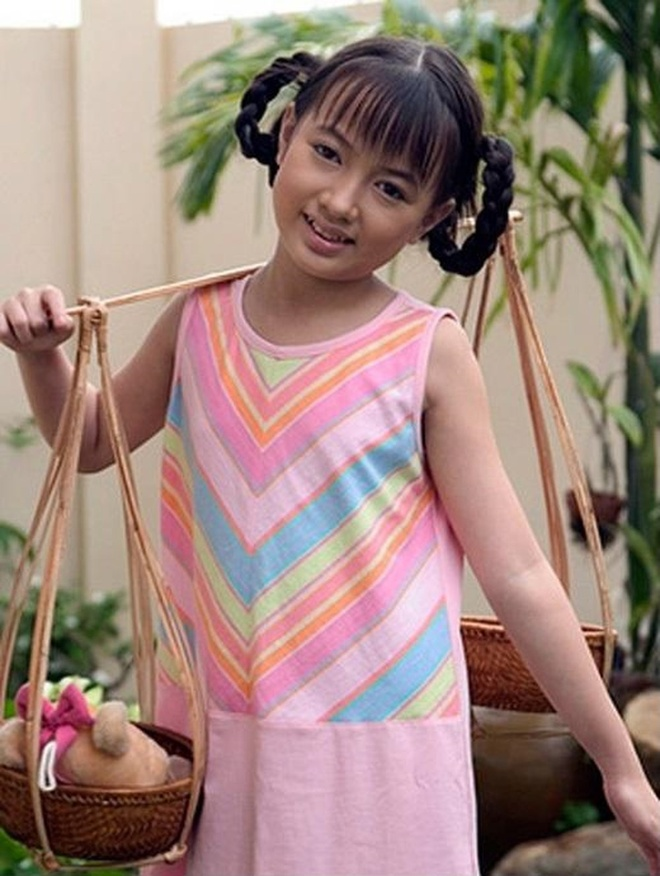 Angela Phuong Trinh lot xac anh 11