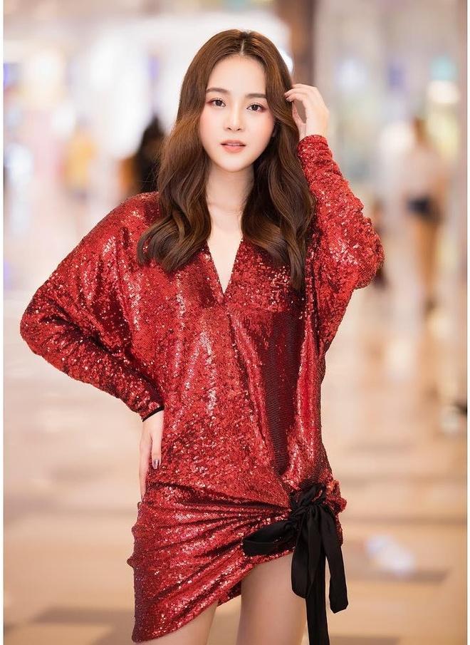 Angela Phuong Trinh, Thuy Anh thay doi ra sao sau nhieu nam? hinh anh 18