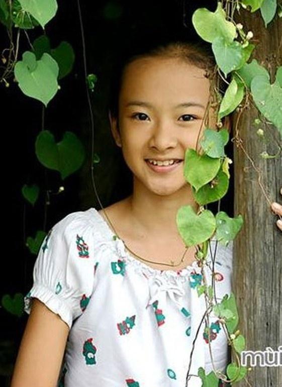 Angela Phuong Trinh lot xac anh 1