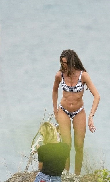 thien than noi y Izabel Goulart anh 2
