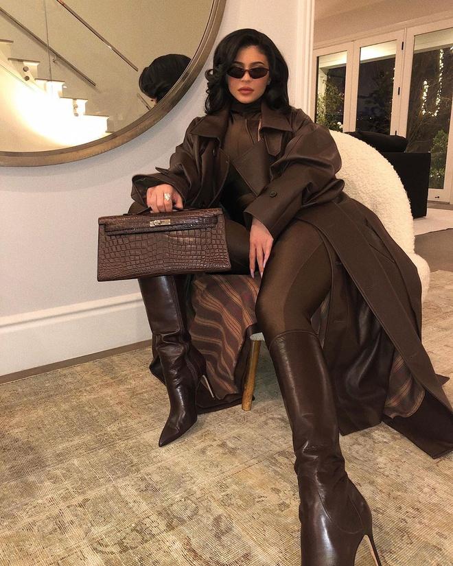 Kylie Jenner chup anh goi cam hinh anh 2 kyliejenner_73475395_2218633581773864_6405476756084024595_n.jpg