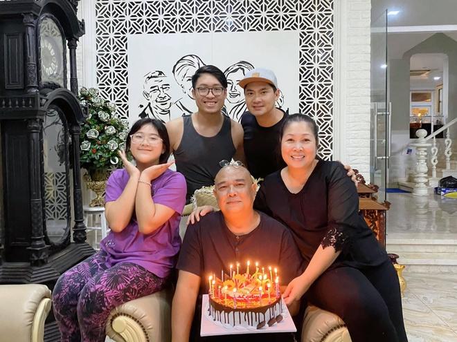 Hồng Vân và Lê Tuấn Anh kỷ niệm 20 năm ngày cưới - Giải trí