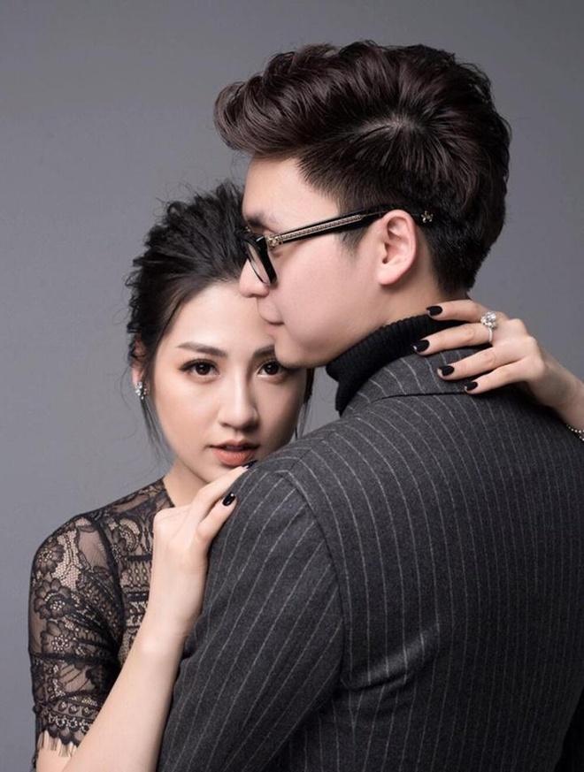Sao Viet khoe hang hieu, hoa hong duoc tang ngay Valentine hinh anh 7 tro_ly_van_mai_huong_vach_tran_vo_chong_tu_anh_ke_tung_nguoi_hun_93694e.jpg