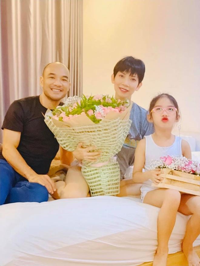 Dam Thu Trang, Tang Thanh Ha ben nua kia trong ngay Valentine hinh anh 4 84456194_10157224817079624_7506676932948262912_o.jpg