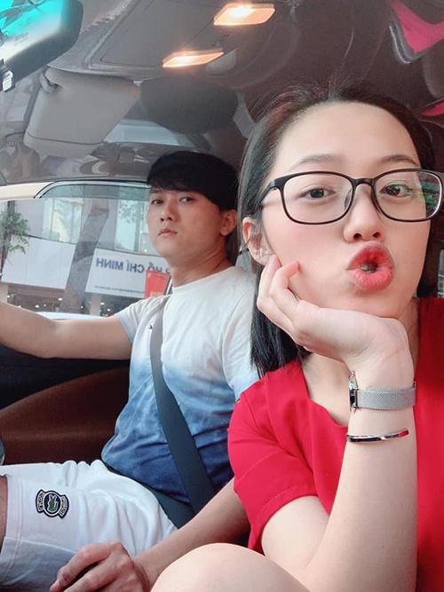 Sao Viet tang nhan kim cuong, xe hoi cho nua kia ngay Valentine hinh anh 11 Re_Quach_Ngoc_Tuyen_3_9146_1581748098.jpg
