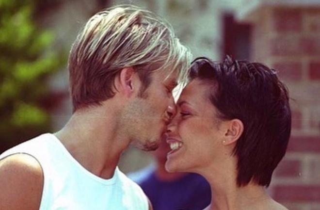 Vo chong David Beckham va dan sao dang anh tinh cam ngay Valentine hinh anh 1 davidbeckham_83457874_841910326222622_3575434827776023194_n.jpg