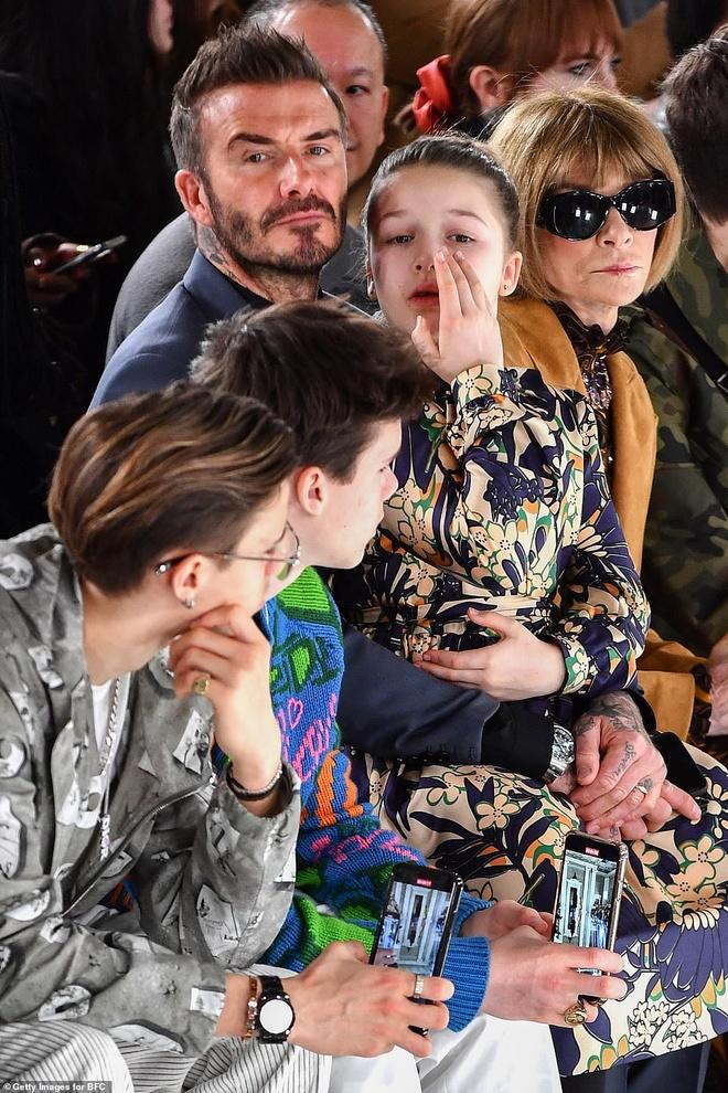 Hai con trai gay chu y khi den xem show cua Victoria Beckham hinh anh 2 10.jpg
