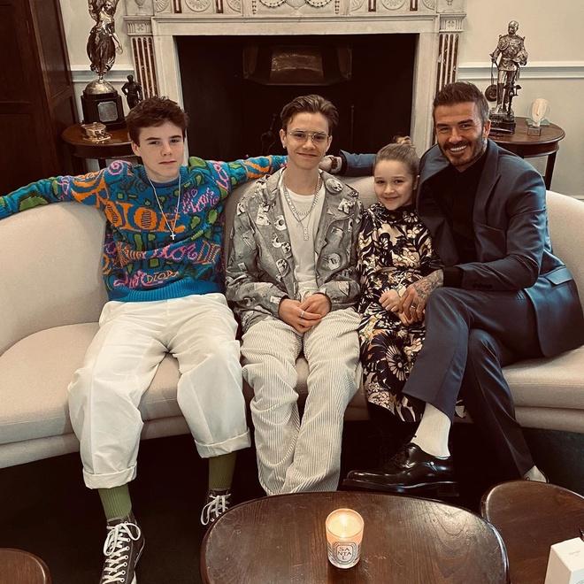 Hai con trai gay chu y khi den xem show cua Victoria Beckham hinh anh 7 davidbeckham_82070794_656778925097975_5080400557406402182_n.jpg