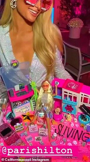 Kim Kardashian du sinh nhat cua Paris Hilton hinh anh 5 25027298_8029635_image_a_78_1582302603790.jpg