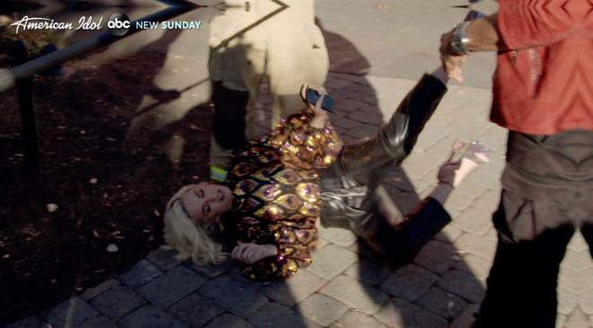 Katy Perry nga vi bi ngat khi gas hinh anh 1 image.png