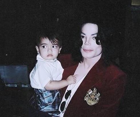 Con trai Michael Jackson o an sau khi bo mat hinh anh 1 blanketjackson7_17437756_708605235986537_3159639789913767936_n_1.jpg