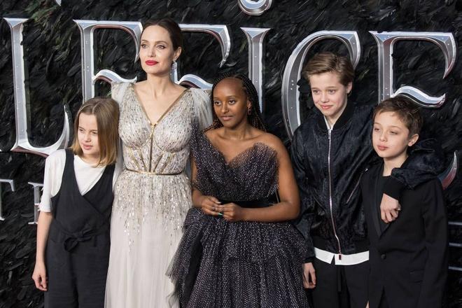 Angelina Jolie thay doi nhu the nao sau 4 nam chia tay Brad Pitt? hinh anh 5 UU4H56CYAFDKPMNSTHJW7HOC6A.jpg