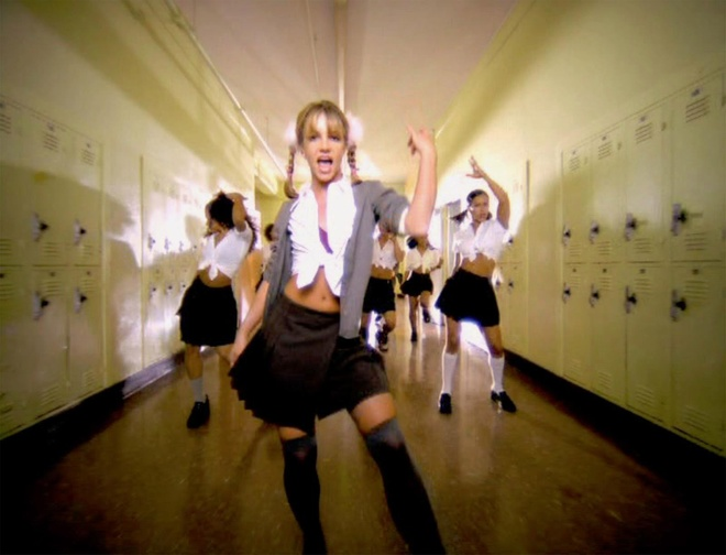 Britney Spears che loi 'Baby One More Time' de ung ho viec cach ly hinh anh 2 NINTCHDBPICT0002022103791.jpg