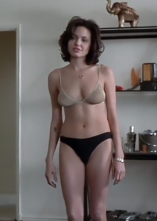 canh nong cua Angelina Jolie anh 2