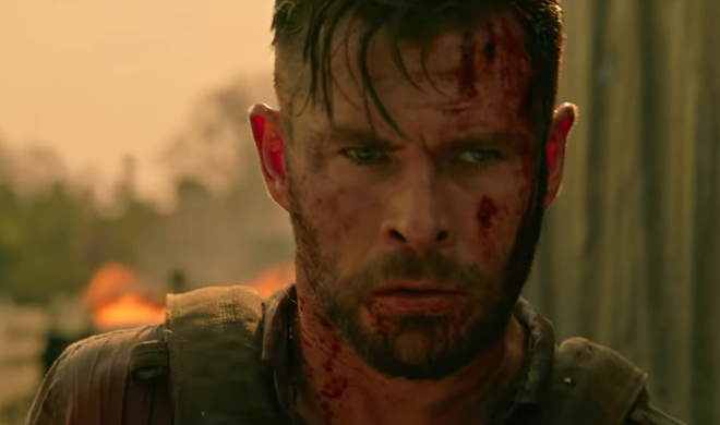 Chris Hemsworth hoa than thanh linh danh thue trong phim hanh dong moi hinh anh 1 Screen_Shot_2020_04_07_at_8.04.30_AM.png