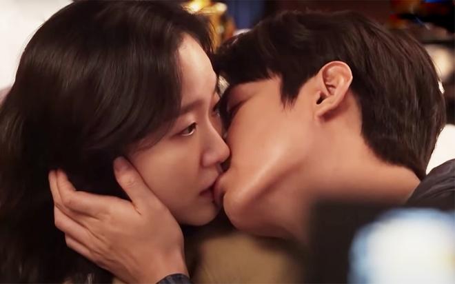 Hau truong hai huoc dang sau nu hon cua Lee Min Ho hinh anh 2 Screen_Shot_2020_05_12_at_11.41.36.jpg