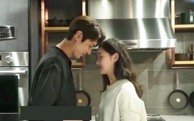 Hau truong hai huoc dang sau nu hon cua Lee Min Ho hinh anh 1 Screen_Shot_2020_05_12_at_11.58.09.png