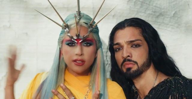 MV 911 Lady Gaga anh 2