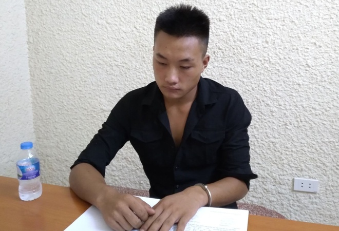 Giàng Seo Diu khai nhận hành vi phạm tội tại cơ quan công an. Ảnh: H.N.