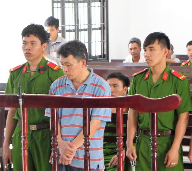 Nguyen can bo huyen uy lua gan 600 trieu dong lanh 12 nam tu hinh anh