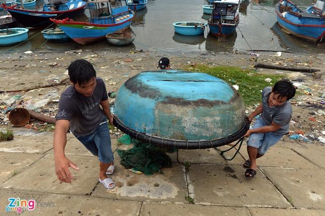 Ninh Thuan doi mat nguy co lo dat sau bao so 12 - Damrey hinh anh