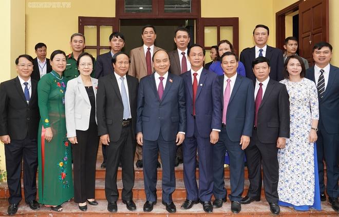 Thu tuong Nguyen Xuan Phuc tiep xuc cu tri o hai phong anh 4
